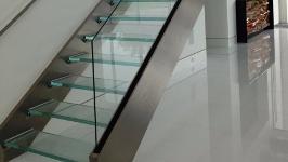 Стеклянная лестница комбинированная
