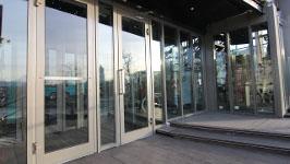 Одноконтурная или двухконтурная дверь для входной группы